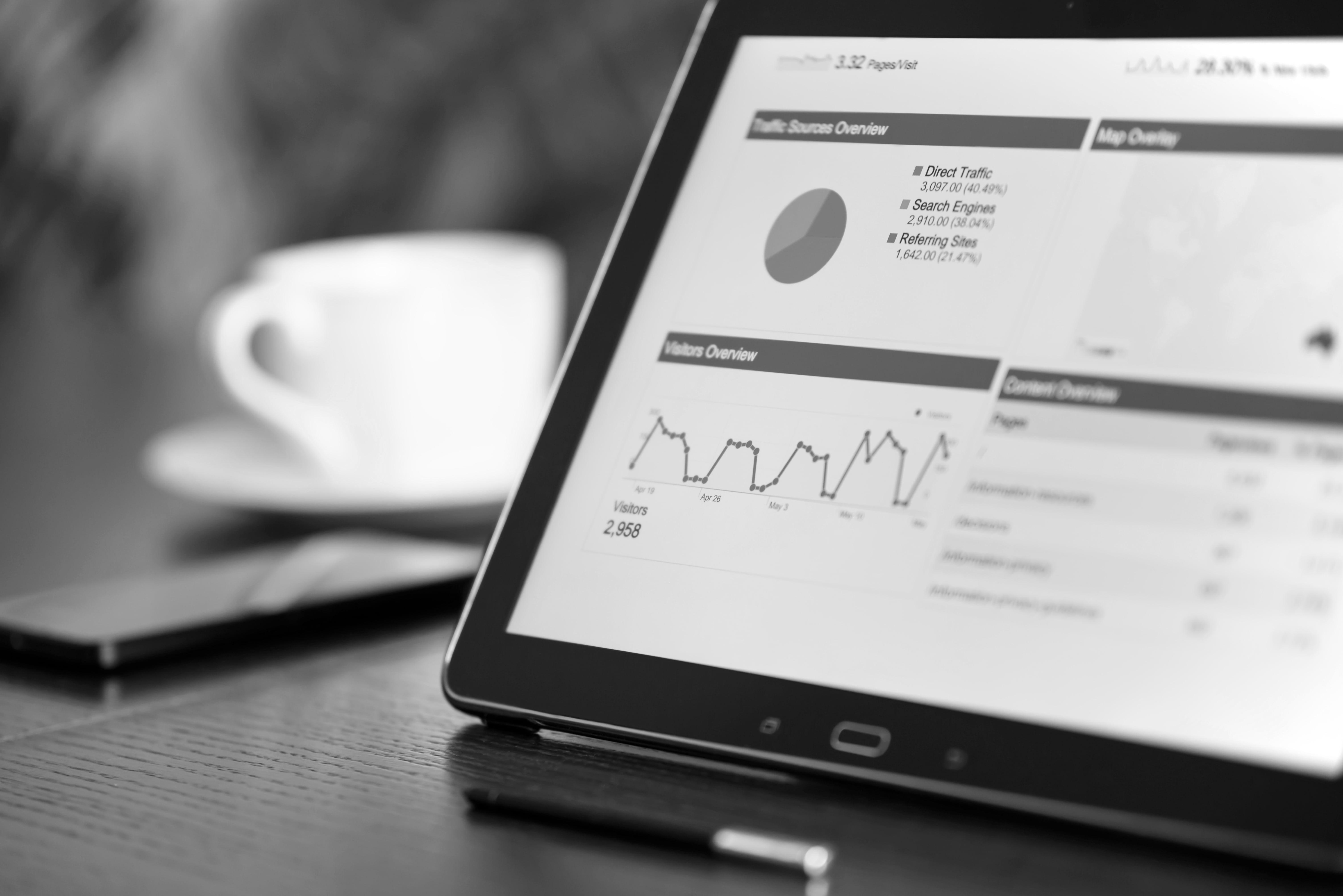 Inbound Marketing Hubspot - Black Samsung Tablet Computer-min